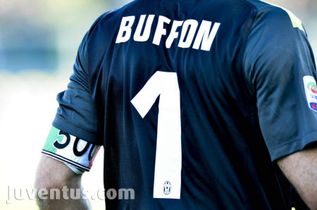 Джиджи Буфон с мач №500 в Серия А
