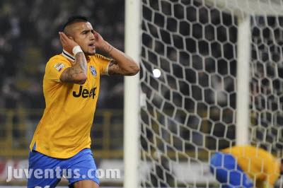 Артуро Видал с гол срещу Болоня